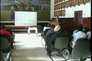 Isenção de impostos para templos religiosos é tema de palestra - Assista ao vídeo.