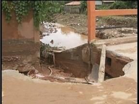 Forte temporal em Água Boa destrói partes da cidade - Algumas ruas estão irreconhecíveis e casas foram completamente destruídas.