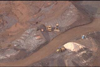 Deslocamento de lama é registrado em barragem da mineradora Samarco - Quatrocentos e cinquenta funcionários da empresa foram retirados do local. Alerta amarelo foi enviado.