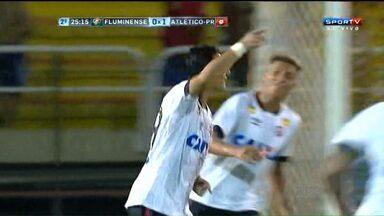 Estreia do Atlético-PR teve confusão e gol de novato - Furacão foi ao Rio e venceu o Fluminense no primeiro jogo do time pela Copa Sul-Minas-Rio