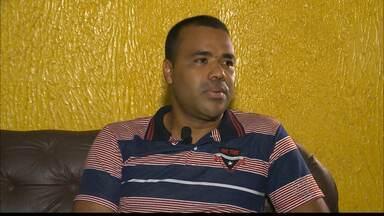Conheça a história do ex-artilheiro do Pernambucano leva vida mais simples na Paraíba - Conheça um pouco mais da história do ex artilheiro Kelson em uma entrevista exclusiva ao Globo Esporte.