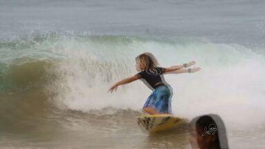 """Conheça a nova geração de surfistas cearenses - Garotada já chega """"mandando bem"""" nas ondas."""