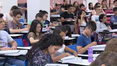 Vestibular em fevereiro leva alunos às salas de aula durante as férias - Provas foram prorrogadas por causa da greve