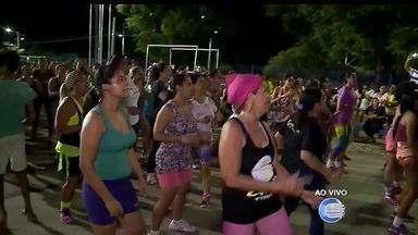 Multidão lota o Parentão para aulas de danças e aprender coreografias do carnaval - Multidão lota o Parentão para aulas de danças e aprender coreografias do carnaval