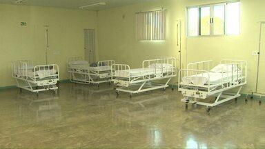 A nova ala para pacientes com sintomas da dengue está funcionando em Foz - São 20 leitos. A ala fica no Hospital Municipal.
