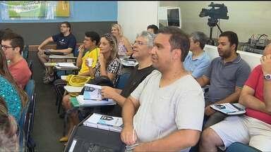 Concurseiros aproveitam feriado para estudar em Curitiba - Concurso do INSS tem mais de um milhão de candidatos para 950 vagas