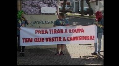 Ação de prevenção a Aids conscientiza motoristas e pedestres em Chapecó - Ação conscientiza motoristas e pedestres em Chapecó