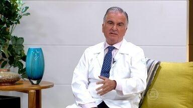 Chás não são recomendados para a ressaca - O gastroenterologista e hepatologista Luiz Carneiro aconselha a hidratação convencional, para não agredir ainda mais o fígado.