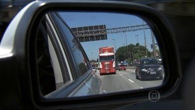 Pelo menos 20 mil caminhões que passam por SP não precisam entrar nas ruas da capital - Mais de 10% dos caminhões que usam as avenidas de São Paulo como atalho pra ir de uma cidade a outra, não precisam entrar na capital.
