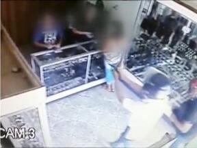 Relojoaria em Novo Oriente é assaltada - Bandidos invadiram loja à mão armada.