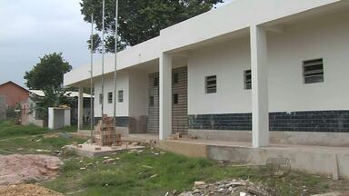 Obra de creche que custa R$ 600 mil está atrasada há 4 anos em Santarém - Obra iniciou em 2012 e ainda não foi concluída. Moradores afirmam que empresa abandonou o serviço.