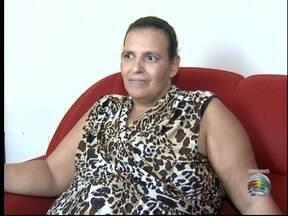 Moradora de Prudente recebe medicamento para o tratamento do câncer - Ela precisava do remédio, que não era fornecido pelo Estado.