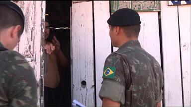 Quase quatro mil militares participam de mutirão contra a dengue no Paraná - O vice-presidente Michel Temer também veio à capital