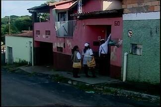 Agentes de combate à dengue atuam no fim de semana em Araxá - Horário diferenciado é para visitar imóveis fechados em dias úteis. Cidade já soma 154 casos de dengue em 2016.