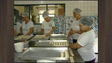 Associação de mulheres ganha prêmio do Sebrae por negócio de produtos caseiros no ES - Mulheres do campo fazem da cozinha uma fonte de renda e vão concorrer a prêmio nacional.