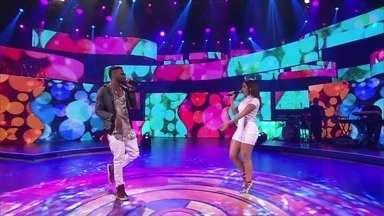 Anitta e Jhama cantam o sucesso 'Essa Mina é Louca' - Os dois animam a platéia do Caldeirão do Huck