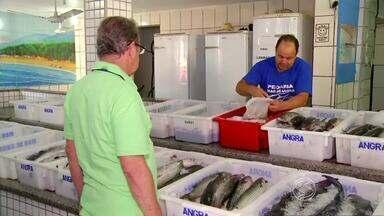 Período de quaresma faz aumentar procura por peixes no Sul do RJ - Época da celebração católica que marca os 40 dias antes da Páscoa é ótima para os donos de peixarias.