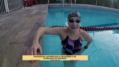 Aposentada de 76 anos é campeã na natação - Maria Salvadora voltou a nadar depois de 40 anos sem praticar o esporte