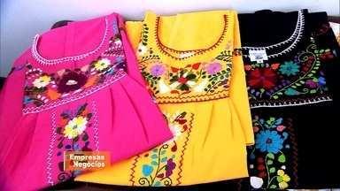 Admiradora de Frida Kahlo importa vestidos e leva mais cores para as ruas do Rio - São produtos artesanais feitos por povos indígenas do México, que sobrevivem exclusivamente com a venda das peças.