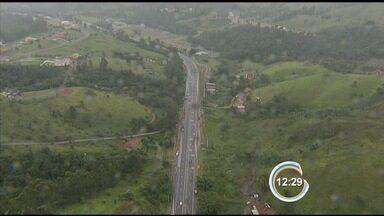 Tamoios será interditada para detonação de rochas - Vancop sobrevoa a rodovia.