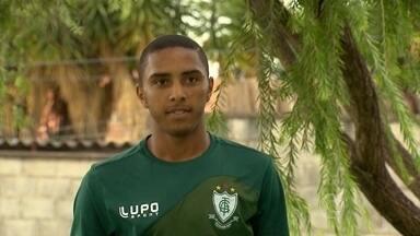 América-MG tem um artilheiro que tem dado o que falar... - Osman tem nome de estrangeiro, mas é paulista e tem feito gols pelo América-MG
