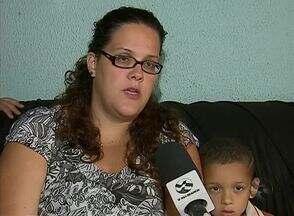 Mãe não consegue matricular filho autista em unidades de ensino de Caruaru - Ela já foi em educandários particulares, mas lugares tinham limitação.