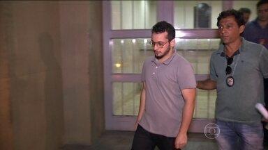 Justiça decreta a prisão de Gil Rugai - Ele foi condenado por matar o pai e a madrasta. A medida pe uma consequência da decisão do STF que permitiu a prisão de réus condenados em segunda instância.