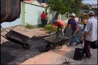 Buraco é tapado em via de acesso ao HSJD em Divinópolis - MGTV mostrou várias vezes a situação da cratera na Rua do Cobre. O buraco foi tapado e o asfalto refeito.