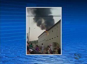 Incêndio destrói cadeiras em escola municipal de Itaíba - Crime pode ter sido motivado por ciúmes, de acordo com a Polícia Civil.