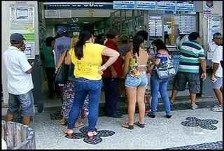 Bancos recusam pagamentos de contas de água e luz e lotéricas de Campos, RJ, ficam lotadas - Associação Comercial e Industrial apresentou denúncia à Defensoria Pública e ao Procon.