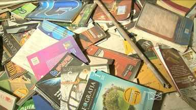 Livros didáticos são abandonados em São Luís - Livros didáticos são abandonados em São Luís.