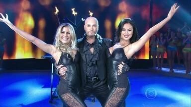Joaquin Ayala mostra mágicas incríveis no palco do Domingão - Atração internacional impressiona plateia
