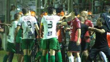 Clássico Brasil-Pel e São Paulo-RS tem gols e confusão; reveja - Assista ao vídeo.