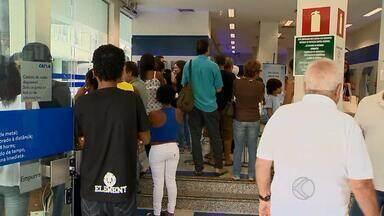 Procon orienta consumidores sobre tempo de espera em filas de bancos - Lei determina prazos de espera para cada situação em agências bancárias