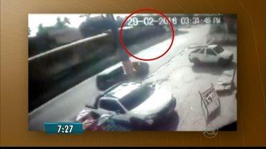 Câmera de segurança flagra momento em que trem bate em ônibus em Santa Rita - BDPB divulga novas informações sobre o estado de saúde das vitimas.
