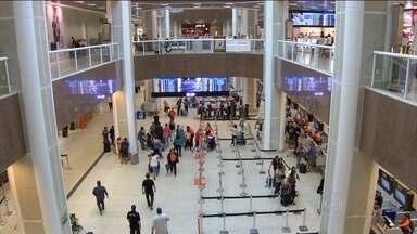 Taxa de embarque sobe 12,4% em 60 aeroportos brasileiros - Em Congonhas (SP) e no Santos Dumont (RJ), os passageiros reclamam dos serviços e demonstram insatisfação com o reajuste.