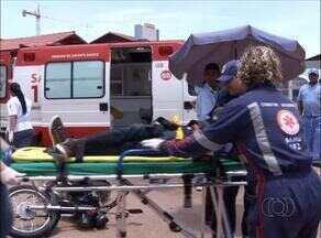 Vítimas de acidente na porta de hospital em Palmas levam 20 minutos para serem atendidas - Vítimas de acidente na porta de hospital em Palmas levam 20 minutos para serem atendidas