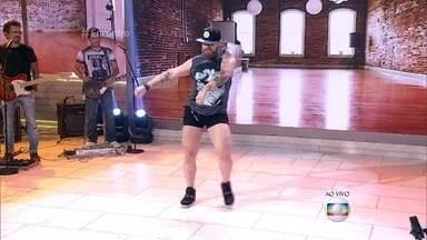 Brasileiro vira notícia em TV americana com vídeo dançando Rihanna - Vídeo de Michel já alcançou 30 milhões de visualizações. O professor de dança desafia Marcos Veras e Lair Rennó. Fátima Bernardes e Bárbara Paz também aprendem a coreografia