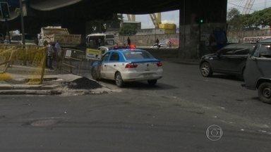 Suspeito de assassinato é preso depois de sofrer acidente, no Rio - Na hora em que recebia socorro, o homem foi reconhecido. Ele estava fugindo. O Policial Militar Paulo Fernando Alves da Silva foi assassinado na frente do do filho de 13 anos e de um amigo.