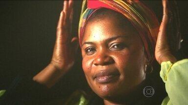 Exposição retrata o cotidiano de mulheres refugiadas no Brasil - A mostra 'Vidas Refugiadas' reúne fotos de oito mulheres que vivem no Brasil e guardam histórias de provação e violência. No país onde nasceram, elas sofreram violência, resistiram, foram perseguidas e fugiram.