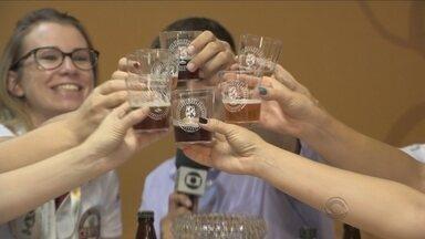 Grupo de mulheres comanda o Concurso Brasileiro de Cerveja em Blumenau - Grupo de mulheres comanda o Concurso Brasileiro de Cerveja em Blumenau