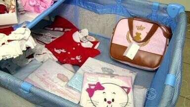 Mesmo com a crise, comércio de peças infantis se mantêm em Três Rios, RJ - Afinal, criança cresce e acaba precisando de roupa nova.
