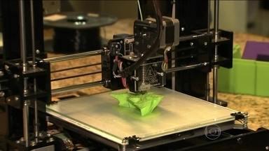 Laboratório de fabricação digital começa a funcionar nesta terça (8) com cursos grátis - O Fab Lab, sigla em inglês que significa Laboratório de Fabricação Digital, vai oferecer 14 cursos, entre eles de impressão 3D e programação de jogos.