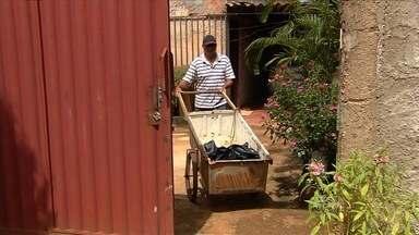 Moradores reclamam que violência atrapalha fonte de renda das famílias, em Goiânia - Muitos afirmam que perderam o que tinham para trabalhar em roubos e assaltos.