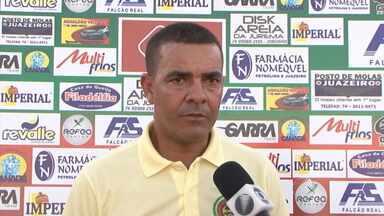 Ex-técnico do Vitória da Conquista é contratado pelo Juazeirense - Time quer aproveitar a chegada do novo treinador para surpreender o Bahia; confira.