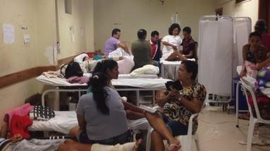 Pacientes esperam 15 dias na fila de cirurgia e lotam corredores do HE - A maior parte dos pacientes de trauma no hospital de emergência de Macapá é vítima de acidentes de trânsito. O problema é a crise permanente do hospital. Pessoas ficam 15 dias à espera de cirurgia e continua amontando os corredores.