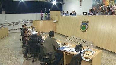 Lei que proíbe circulação de carroças nas ruas é aprovada em Taubaté, SP - Votação foi nesta segunda: foram 11 votos a favor da proibição e 7 contra.