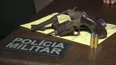 Adolescente morre baleado depois de assaltar loja em Campina Grande - Adolescente estava praticando assalto e dono do estabelecimento reagiu ao crime.