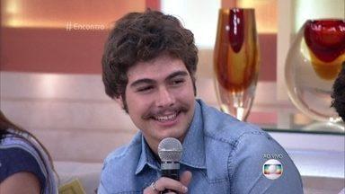Rafa Vitti confessa que chora assistindo ao 'The Voice Kids' - Semifinalistas do reality também se declaram fãs do ator