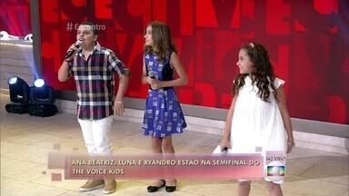 Ana Beatriz Torres, Luna Bandeira e Ryandro Campos cantam 'Simples Desejo' - Semifinalistas do 'The Voice Kids' falam sobre a primeira apresentação ao vivo